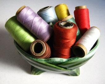 Lot of Vintage Thread, Vintage sewing, antique thread, spools of thread, vintage spools of thread, industrial thread spools