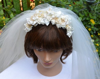 48 HR SALE! Vintage Bridal Veil - Layered Veil, Edged, Rosebud Fabric Headband - 1970's - Stunning!