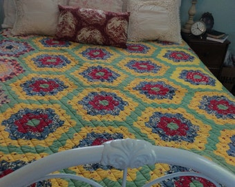 Wonderful Vintage Quilt Grandmother's Flower Garden Hand Quilted Enchanting Art History~Sale~ 50.00 off!! Now 145.00~
