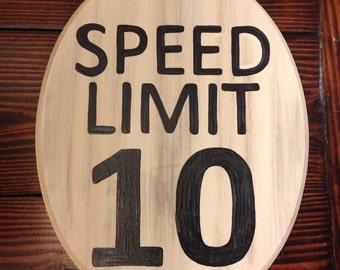 Speed Limit sign (L) (cream) (7x9)
