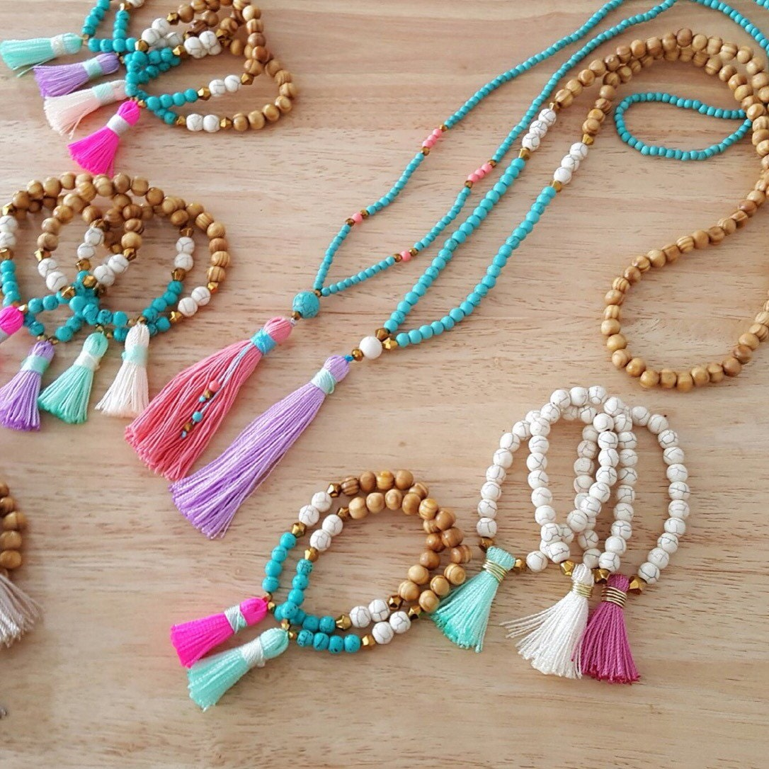 n622 long tassel necklace turquoise beads and pink tassel. Black Bedroom Furniture Sets. Home Design Ideas