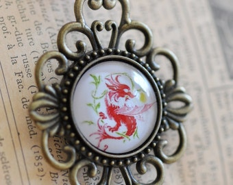 Antique style pendant with dragon