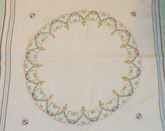 Vintage Shabby Chic Embroidered Floral Table Linen, 1940's Tablecloth