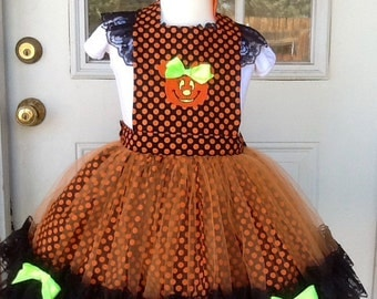 Halloween Pumkin apron. Only 1 size 4/5/6 ready to ship