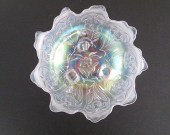 """New Price Imperial White Carnival """"Everglades"""" Footed Bowl"""