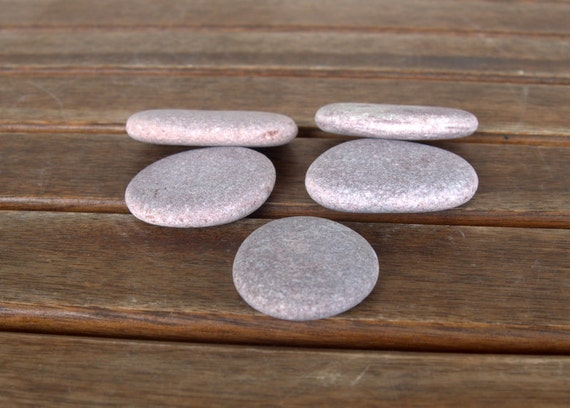 5 medium size pinkish flat pebblesoval flat pebblesbeach for Where to buy flat rocks for crafts