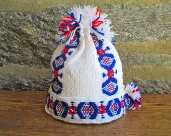 Vintage White, Red and Blue Knitted Ski Hat