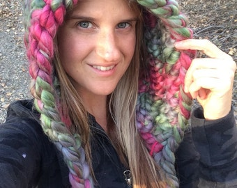 Holy wooly red and green hood scarf