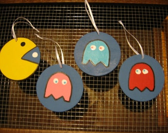 Pacman Wooden Ornaments Set with Ghosts
