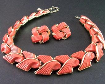 Coral Thermoset LISNER Necklace Earring Set, Ridge Ribbon Swirls, Gold Trim, Vintage
