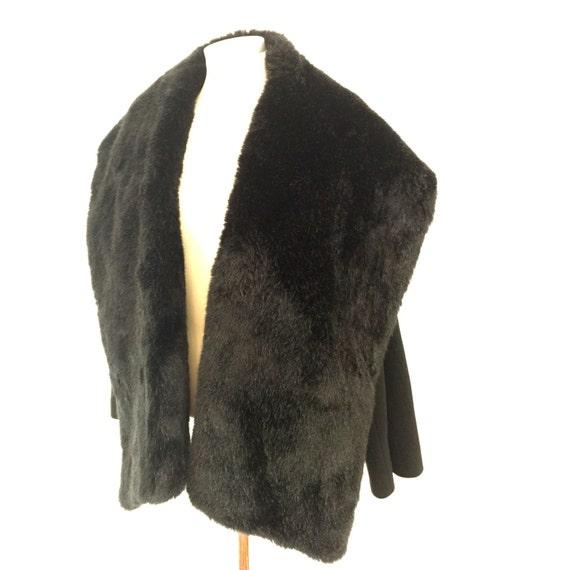 Vintage fur shawl coat 1950s style swing jacket black faux fur wool coat UK 12 14 Hobbs 50s glamorous furry cape collar