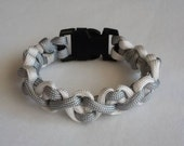 Paracord braded women's bracelet in white and grey.