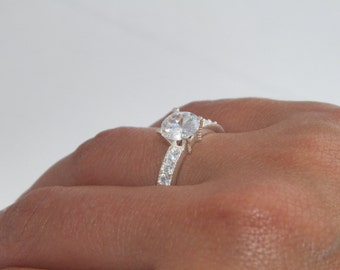 Beautiful .925 Sterling Silver Round Cut Solitaire Engagement Wedding Ring Accent Micro Pave