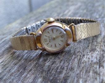 Ladies 1950s Avia Watch, Vintage Ladies Swiss Watch, Mechanical Watch Manual Wind