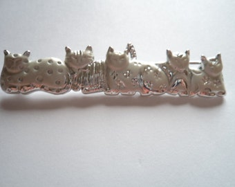 Vintage Signed AJC Silvertone/Matt Relaxing Cats Brooch/Pin