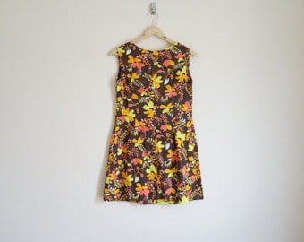 Vintage Floral Dress / Vintage 1960s Dress / Mini Dress