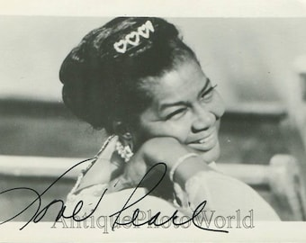 Pearl Bailey actress singer vintage hand signed photo