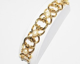 Joan Rivers Bracelet with Faux Pearls Gold Tone - S1290