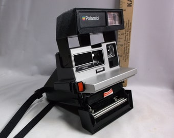 Polaroid One Step  Sun 600  Instant Film Land Camera!.epsteam