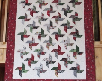 Christmas quilt, holiday quilt, lap quilt, throw quilt, quilt
