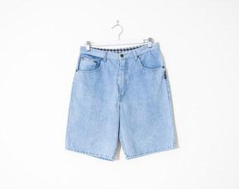 on sale - high waist blue jean shorts / light wash denim bermudas / size 27 / 28
