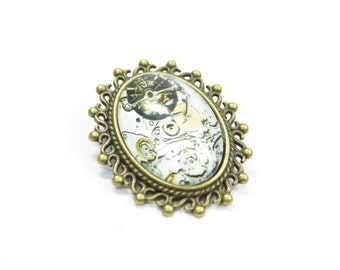 Brooch Steampunk Glass Metall