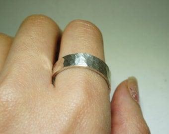 Hammer pattern sterling silver ring