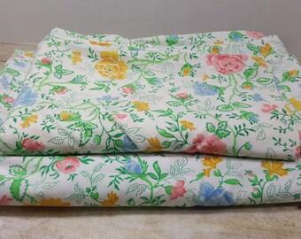 Set of 2 Twin Flat Sheets, vintage sheets, vintage bedding, sheet set