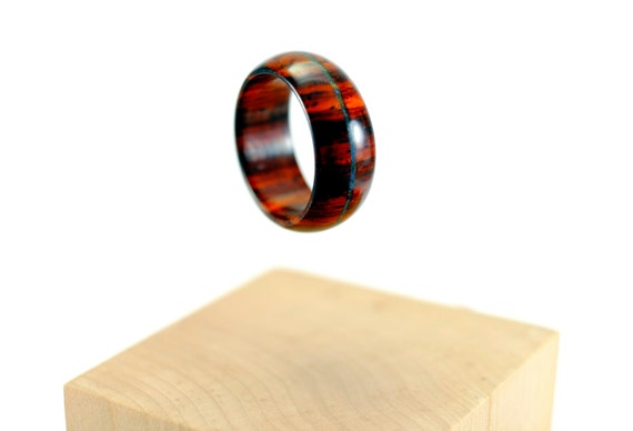 Cocobolo and lapis lazuli wooden ring