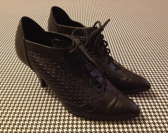 1980's, perforated, black leather, lace up, pump heels, Women's size 8.5 B