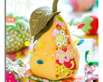 Freshpicked Pincushion Pattern by Heather Bailey full pattern (pear, apple, tomato and strawberry) FREE SHIPPING!!
