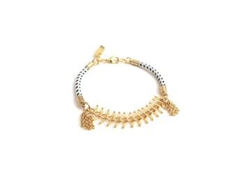 CHLOE - delicate gold bracelet, small bracelet, chain bracelet, tassel bracelet, 18k gold bracelet, rope bracelet, boho chic bracelet,modern