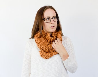 Chunky knit wool cowl scarf || The BINXY || shown in apricot
