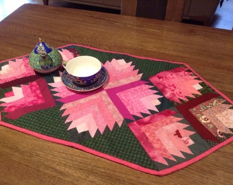 Rosebud patchwork and quilted  table runner