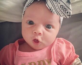 Baby girl, newborn and toddler headband wrap. Cotton. Black white arrow aztec