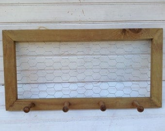 Wood Chicken Wire Frame with Shaker Pegs /  Shabby Chic Memo Board / Organization / Jewelry Storage / Office