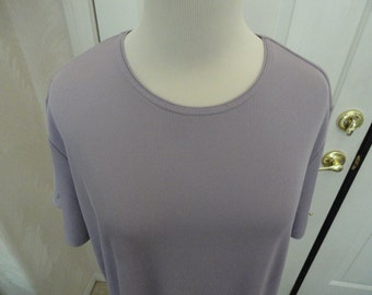 Periwinkle Top . Lg XL Top .  Lg Pull Over . 16W 18W . Polyester Top . 9 . Laura Scott .