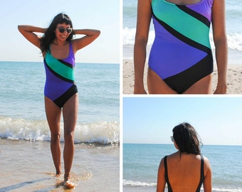 Sporty Onepiece Swimsuit