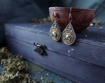 boho gray Swarovski earrings, ethnic jewelry, indian earrings, indian jewelry, hippie earrings