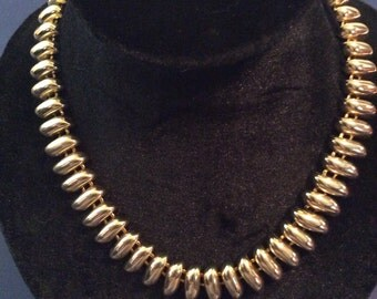 Gold toned 18 in necklace