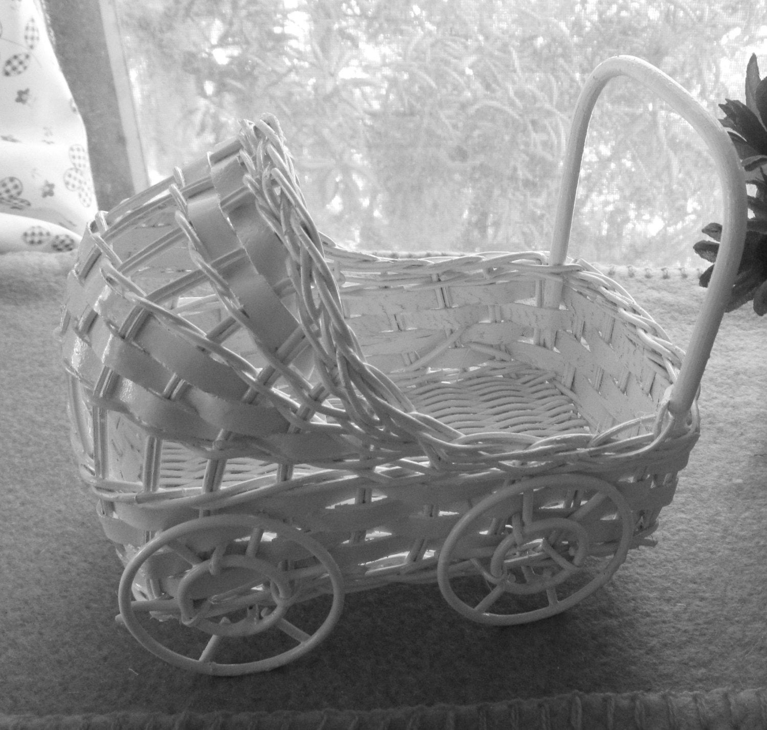 6 Vintage Wicker Carriage Great For Baby Shower