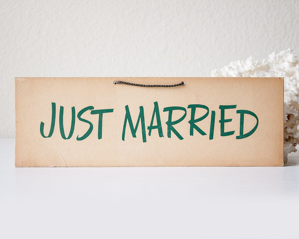 2019 Just Married White Banner Rustic Garland Wedding ...  Vintage Just Married