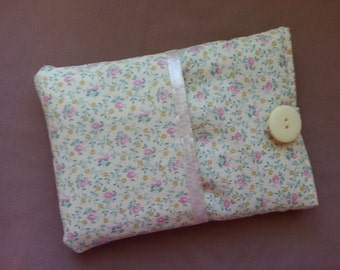Kindle, Kindle Touch, Kindle Paperwhite Cover. Buttery yellow floral fabric, lined, padded pouch sleeve case.