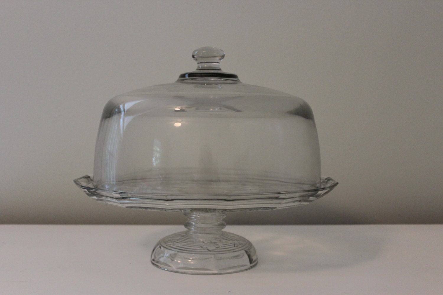 Trade Cake Stands : Vintage glass covered cake stand with flower chain design