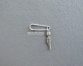 Micro charm brooch _ London