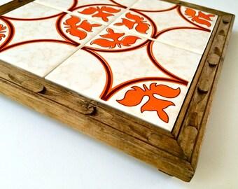 Superb Vintage Dal-Tile Ceramic Tile Trivet with Footed Wood Base