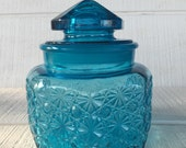 vintage  E Smith Daisy Button colonial blue glass canister jar, vintage blue glass jar with lid, kitchen storage,blue glass apothecary jar