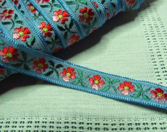 Vintage trim with flowers
