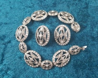 Intricate Monet Bracelet and Matching Earrings