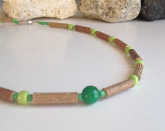Children hazelwood necklace with an imperial jade